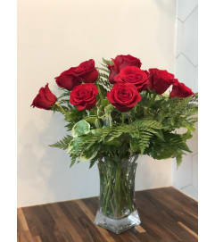 Traditional One Dozen Roses @ Charming