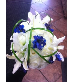 Bear Grass Crown Bouquet