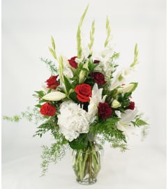 Impressive Elegance with Red Roses