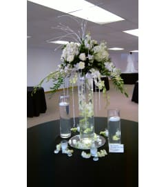 Table scape n white