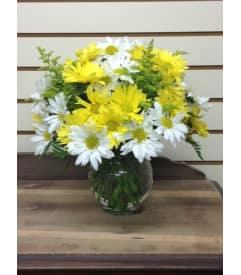 Yellow flowers muellers flower shop elizabethtown pa florist sunshine wishes mightylinksfo