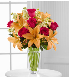 The FTD® Luxe Looks™  Bouquet