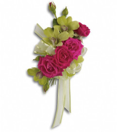 Chic and Stunning Corsage