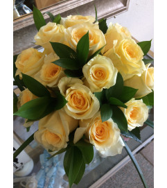 Soft Yellow Rose Bouquet Set