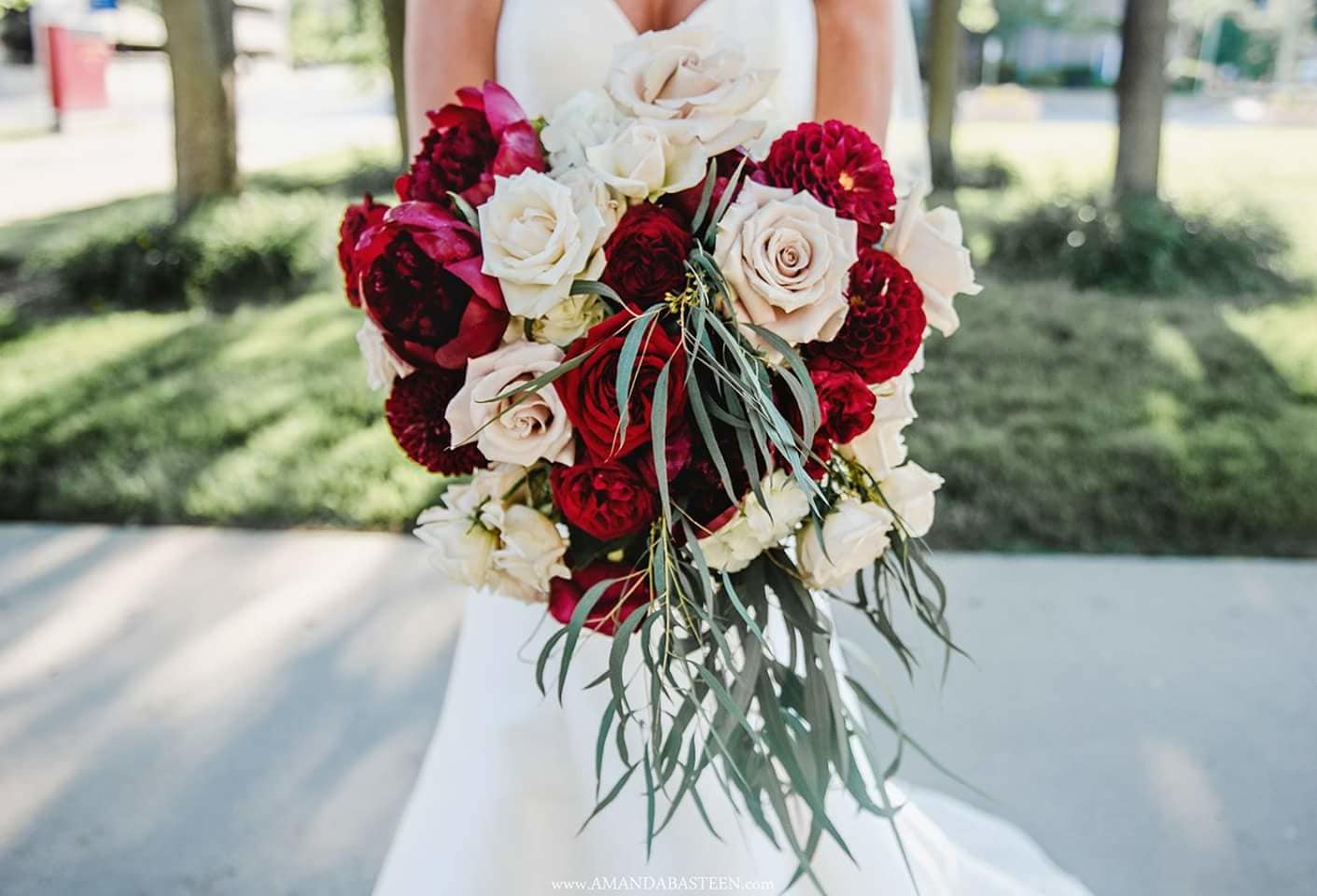 Plaza Florist and Gifts is your go-to florist for weddings & special occasions.