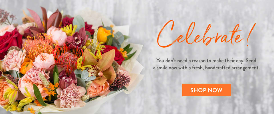 Autumn colored bouquet with roses and more - flower delivery in Bigfork