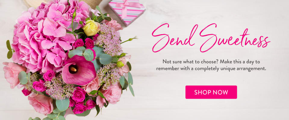 Bright pink bouquet of flowers for Valentine's Day - flower delivery in Cochrane