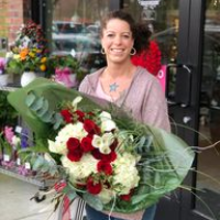 Wishing Well Flowers and Gift - Real Local Florist