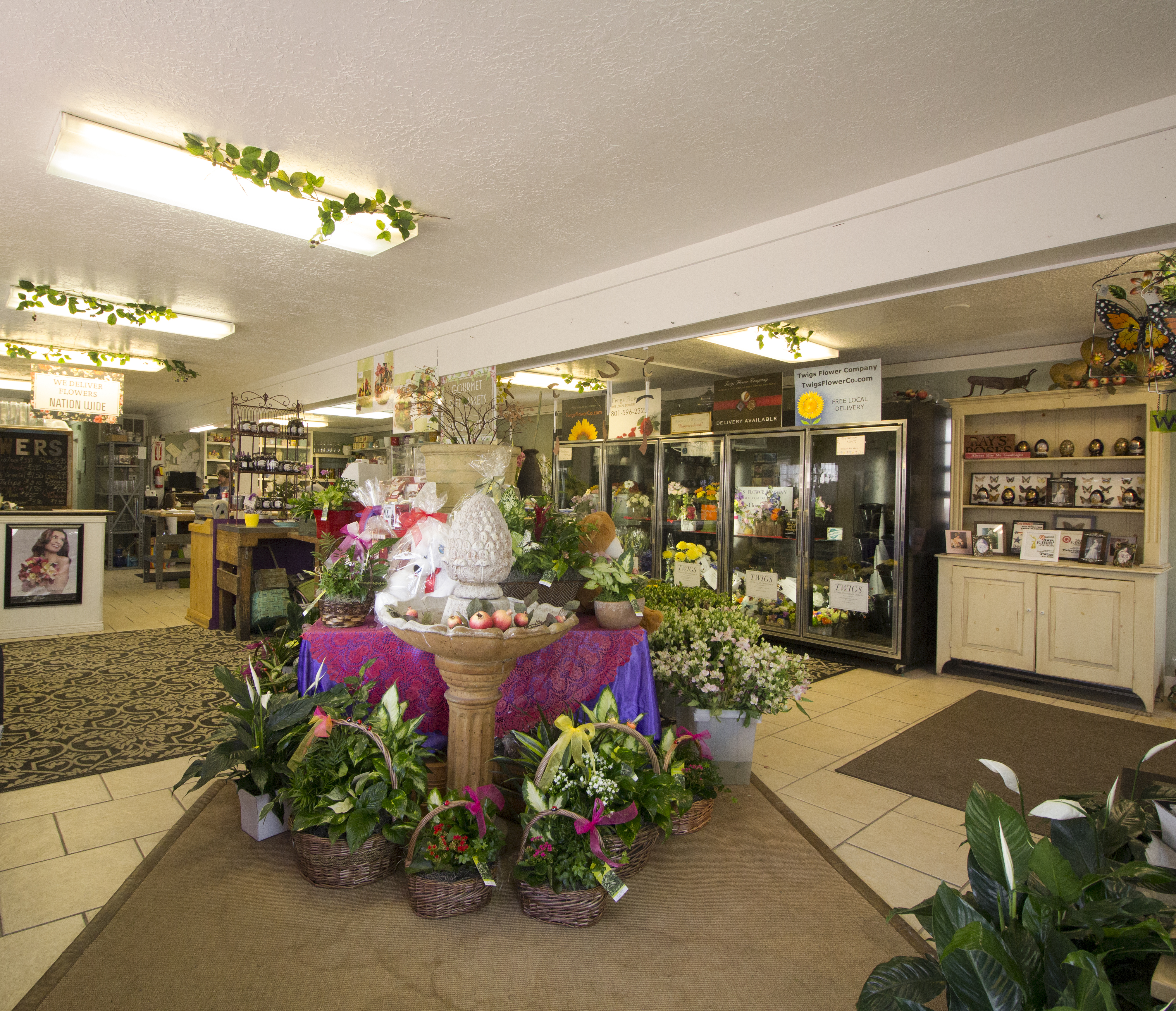 Twig's Flower Company has been offering the Salt Lake City, Utah area superior floral arrangements and assortments since 1989.