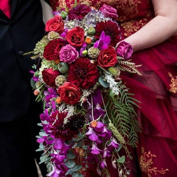 FBZ-97124-bridal_bouquet_kbdpkx_lehbhq.jpg