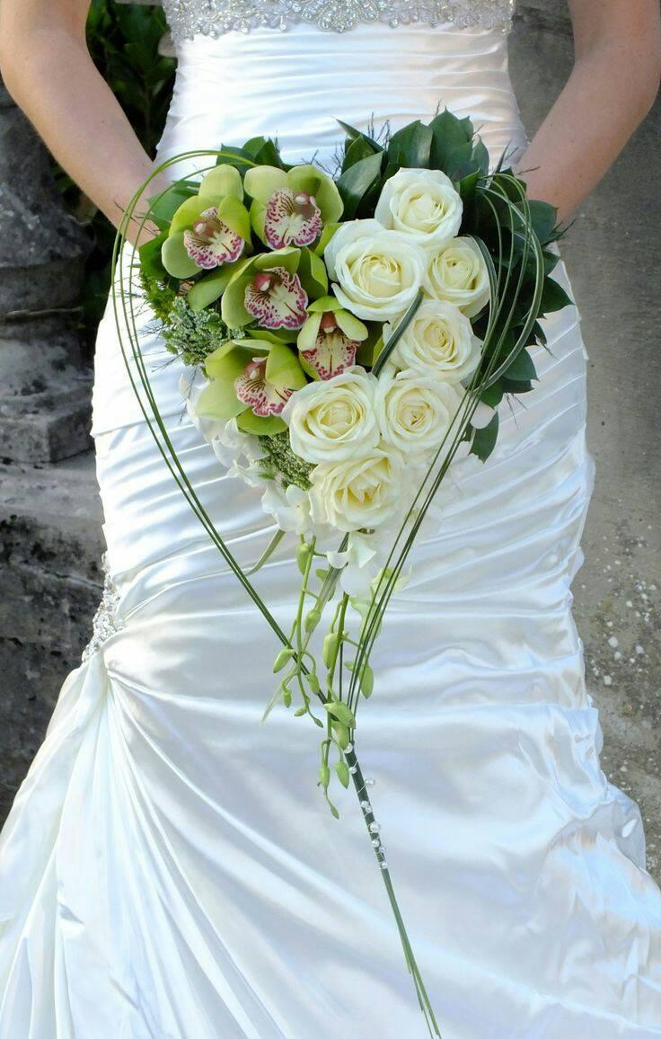 FBZ-97124_bridal_bouquet2_v8wj49_qddpfk.jpg