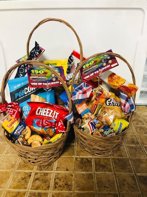 dad-small_basket_of_treats_w2xcbm.jpg