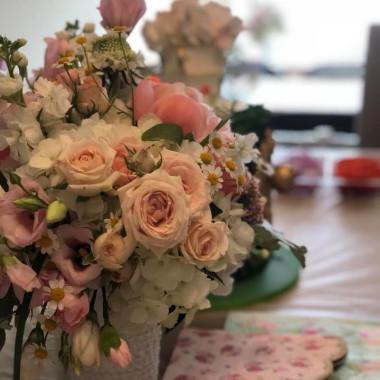 2_year_old_twins_bouquet_Julie_Barulli_hcml9u.jpg