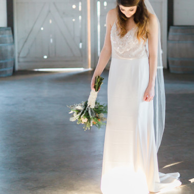 Farm_To_Table_Snohomish_Styled_Bridal_Shoot_Something_Minted_Photography-49_mckvih.jpg