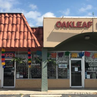Oakleaf_Store_Front_with_Fiesta_Decor_jectaj.jpg