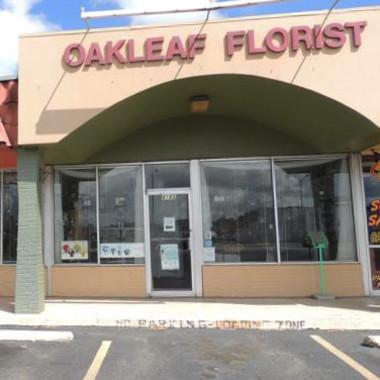 Outside_Oakleaf_Store_Front_j2vjxu.jpg