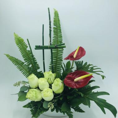 Tropical_Gateway_floral_arrangement_ohrzjf.jpg