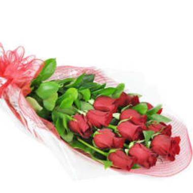 perfect_wrapped_long_stemmed_roses_otk5h9.jpg