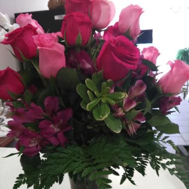 pink_roses_ylmtbi.jpg