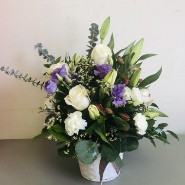 white_and_purple_basket_arrangement_jndh3g.jpg