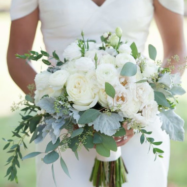 white_bouquet_dbxttn.jpg