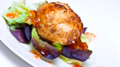 Thai crab cakes with spicy dipping sauce