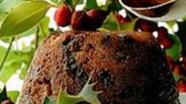 Traditional christmas pudding good food channel traditional christmas pudding forumfinder Choice Image