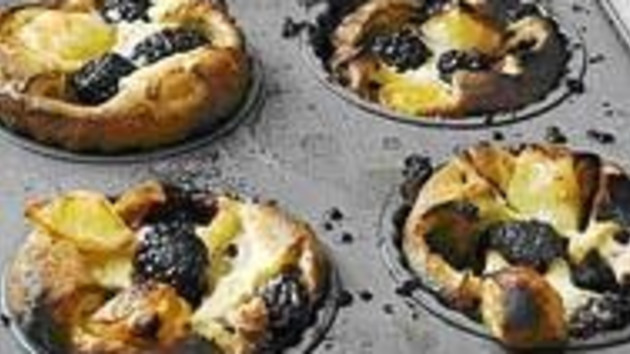 Blackberry and apple yorkshire puddings good food channel blackberry and apple yorkshire puddings forumfinder Choice Image