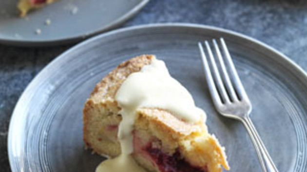 Apple and blackberry shortcake