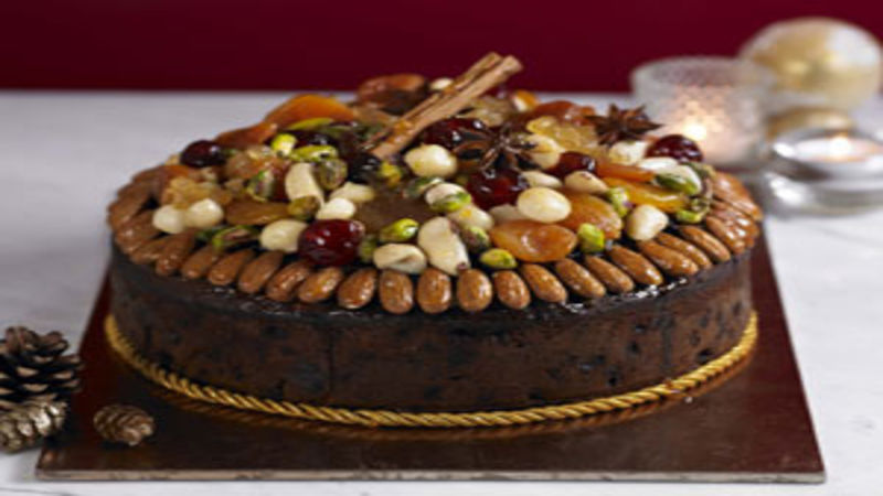 How To Decorate A Christmas Cake With Fruit And Nuts ...