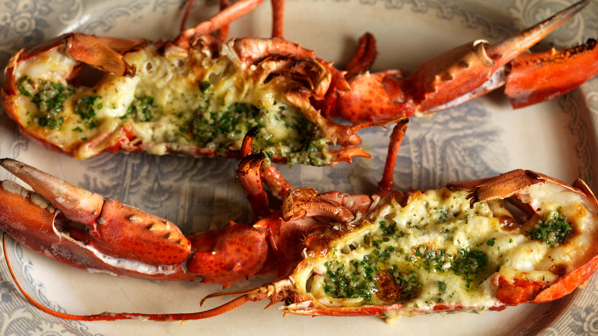 Lobster with garlic butter | Good Food Channel