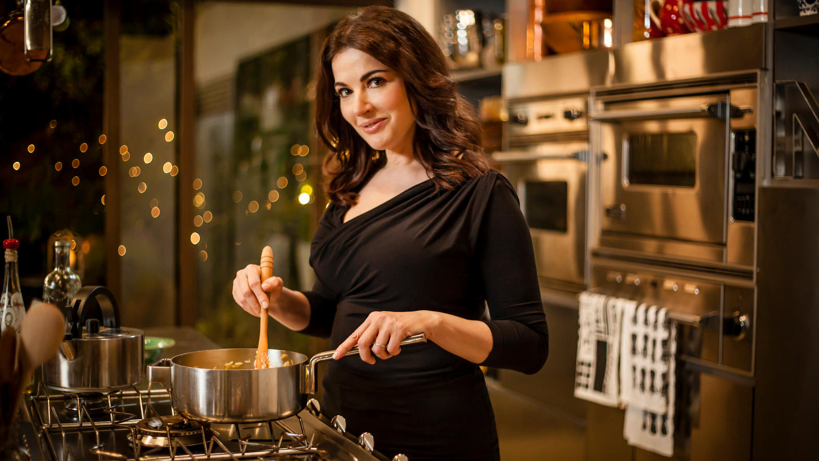 nigella lawson spoken language cooking shows Nigella: at my table, simply nigella, forever summer with nigella and other shows featuring nigella lawson.