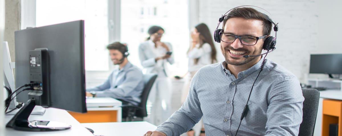 top help desk call center