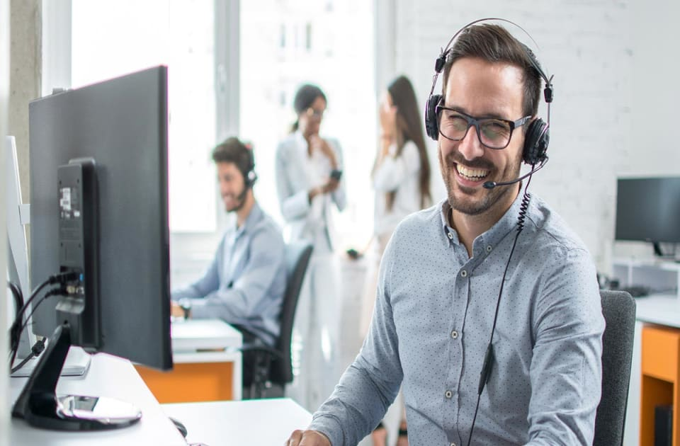 top help desk call center