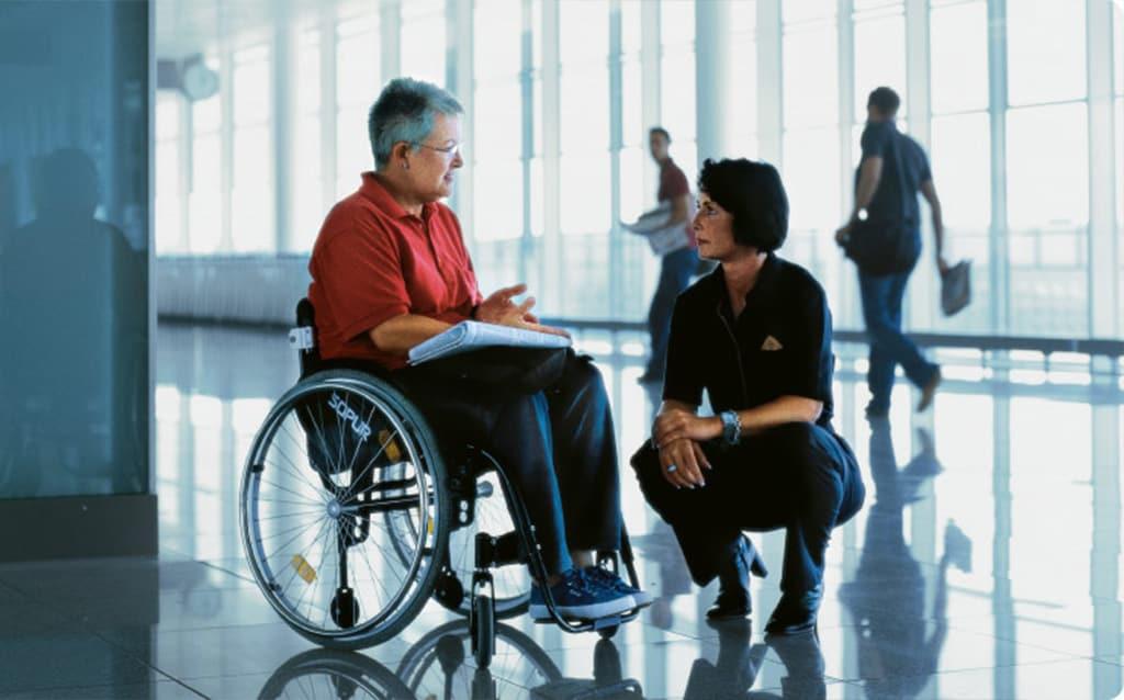 Встреча и перевозка инвалидов