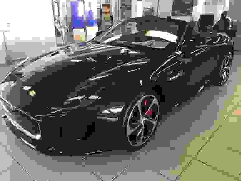 Alquiler Jaguar F-Type Cabrio R en Florencia