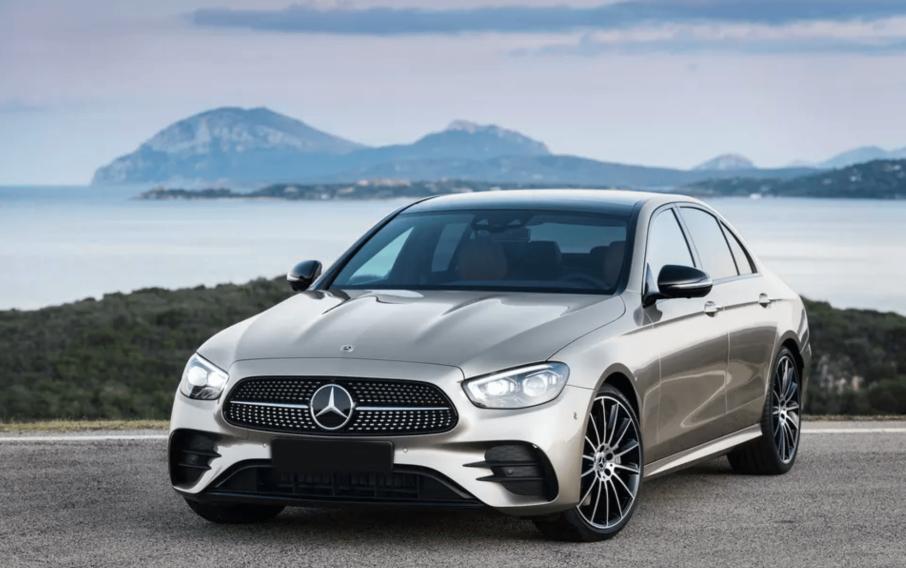 Alquiler Mercedes E Class  en Roma