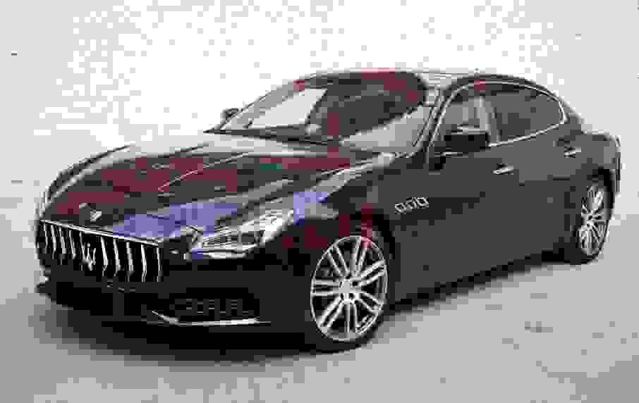 Alquiler Maserati Quattroporte en Nápoles