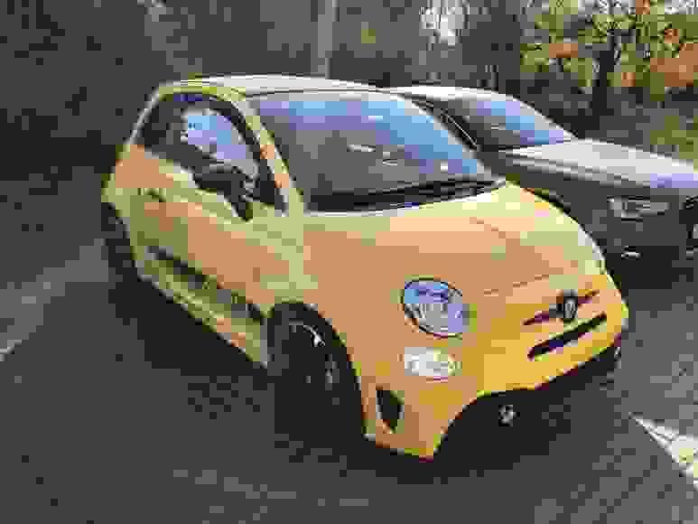 Noleggiare Abarth 595 Cabrio a Firenze
