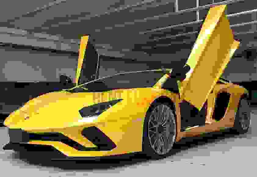 Alquiler Lamborghini Aventador en Nápoles