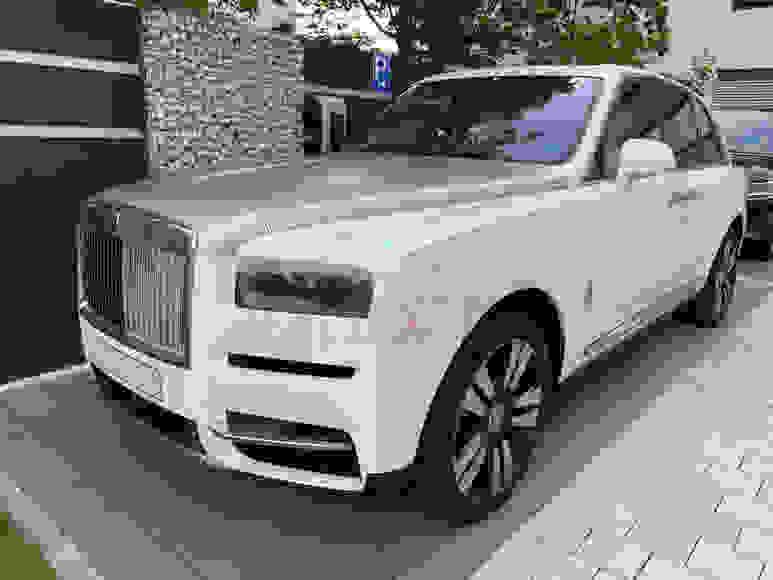 Alquiler Rolls-Royce Cullinan en Florencia