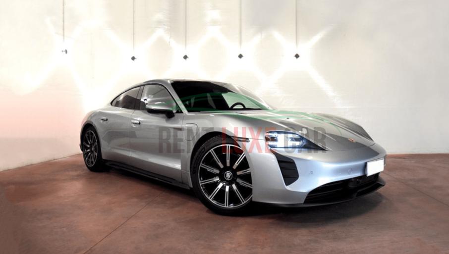 Alquiler Porsche Taycan en Roma