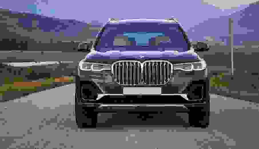 Арендовать BMW X7 в Риме