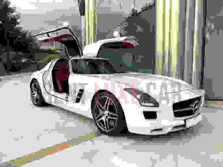 Alquiler Mercedes SLS en Milán