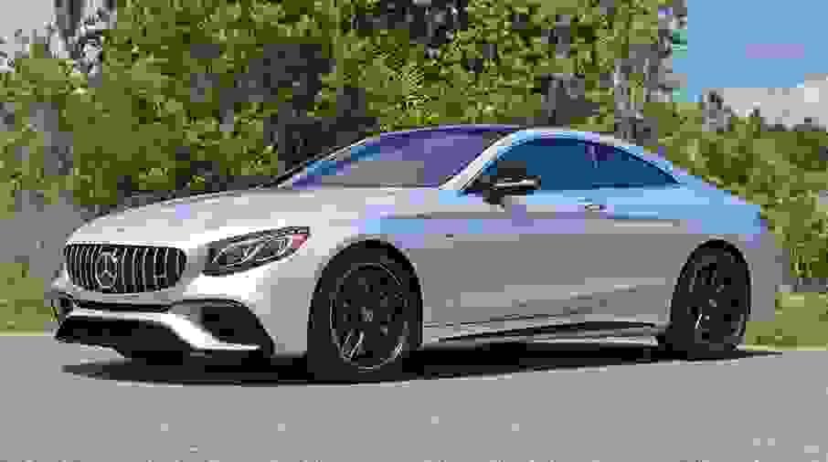 Alquiler Mercedes S63 AMG Coupe en Nápoles