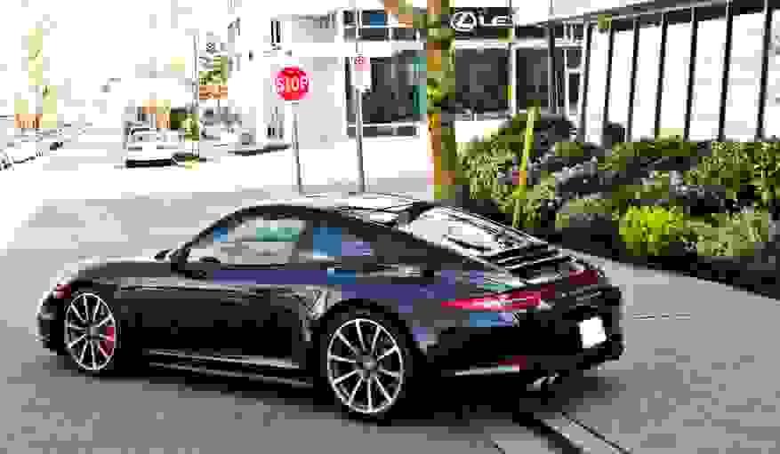 Alquiler Porsche 911 Carrera 4S Coupé en Venecia