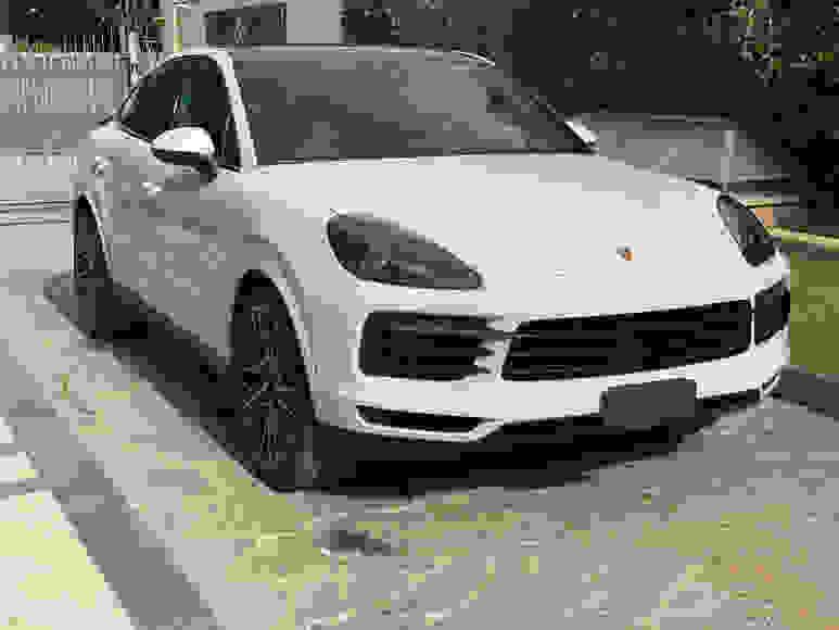 Alquiler Porsche Cayenne en Nápoles