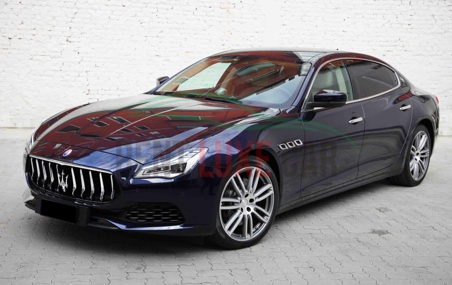 Rent Maserati Quattroporte in Warsaw