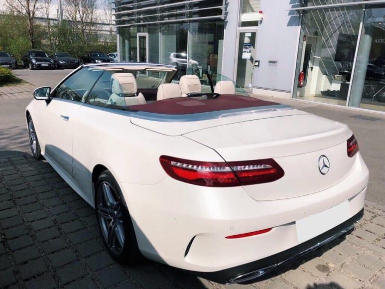 Noleggiare Mercedes E Cabrio a Napoli