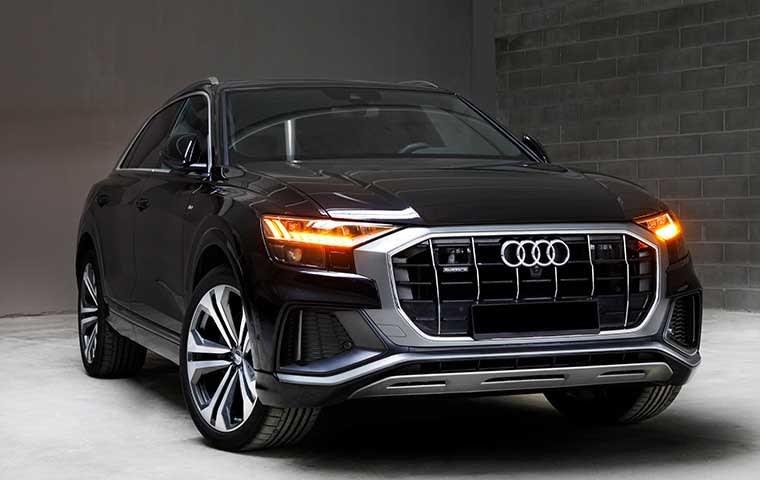 Rent Audi Q8 in Warsaw